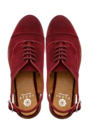 Maroon oxfords with straappy buckle