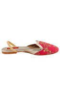 Pink sandals with embroidery