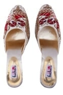 White hand embroidered kitten heel mojiris