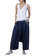 Draped loose pants with side pockets