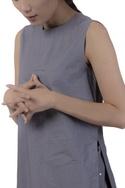 Sleeveless kurta with high slits