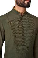 Pintucks & box pleat detail kurta