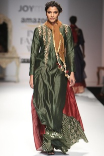 Deep green embroidered layered kurta with skirt