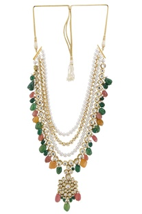 Kundan and bead necklace