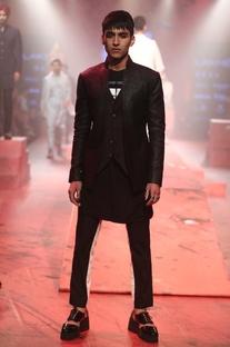 Bandhgala set with waistcoat