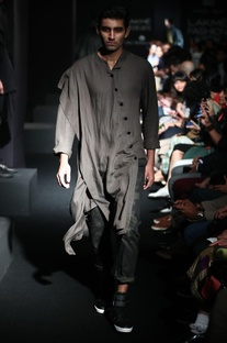 Asymmetrical Diagonal Button Kurta