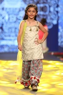 Checkered kurta with printed pants & dupatta