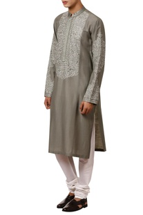 Thread embroidered full sleeves kurta