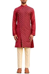 Thread embroidered kurta set