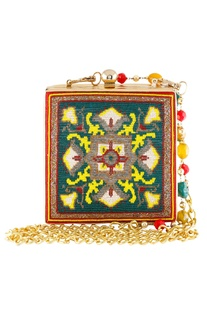 Clutch with metal clasp