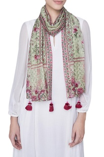 Printed floral stole