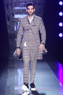 Black & white woven achkan