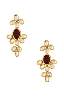 Gold plated floral kundan necklace & earrings