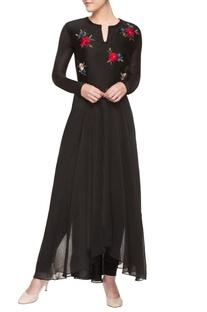 Black multi-coloured embroidered kurta