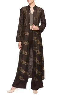 Brown trousers with bustier and printed throw jacket