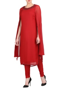 Red kurta set with attached cape