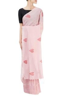 Pink sari with heart motifs