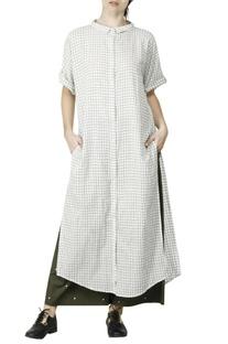 White & olive loose shirt