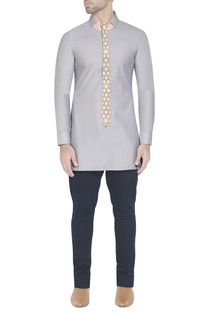 Grey kurta with collar detail