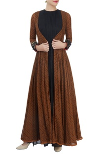 Brown printed pleated jacket