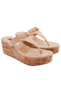 Beige wedges with buckle detail