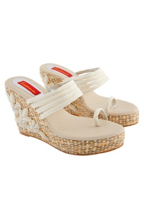 Beige & white woven wedges with embroidery