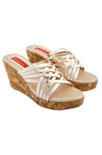 Light brown embroidered wedges