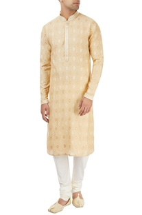 Beige kurta with embroidery