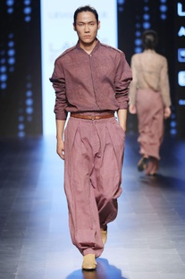 Onion pink pleated trousers