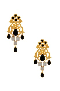 Gold earrings with black & white stones