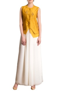 Mustard yellow top with embroidery