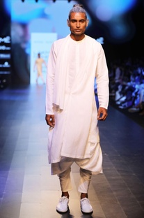 White draped kurta