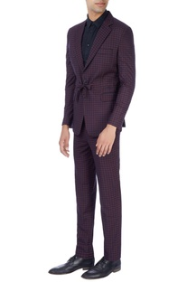 Navy blue & pink suit in check pattern