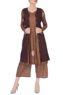 Brown kurta & pants with jacket