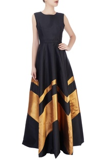 Black & gold gown with chevron details