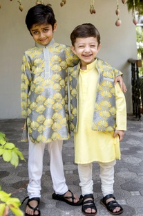 Pineapple printed kurta & churidar