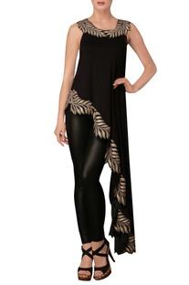 Black leaf print sleeveless asymmetric tunic