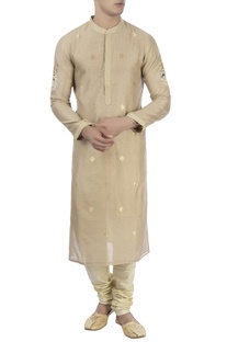Beige kurta with embellished beadwork