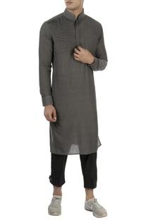 Grey kurta with pleated panel