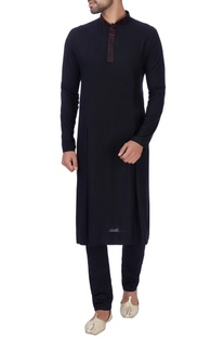 Black box pleated texture kurta