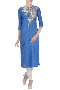 Blue kurta in floral thread embroidery