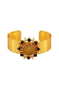 Gold plated pendant bracelet