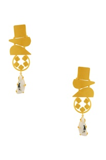 Gold geometric shaped earrings