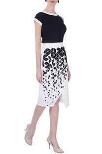 White applique pencil skirt