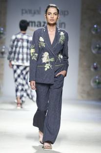 Blue floral embroidered blazer