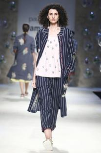Blue stripe pattern midi dress