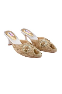 Gold sequin embellished mojiris