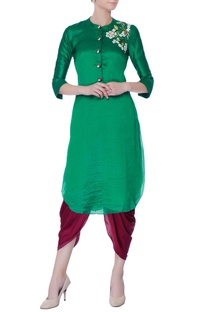 Green floral embroidered kurta