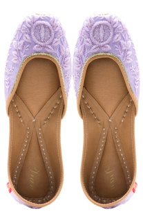 Lilac cutdana leather jootis