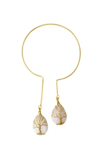 White moonstone gold-plated necklace